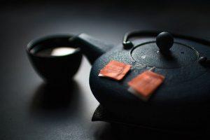 Faites chauffer votre thé sur vos plaques à induction